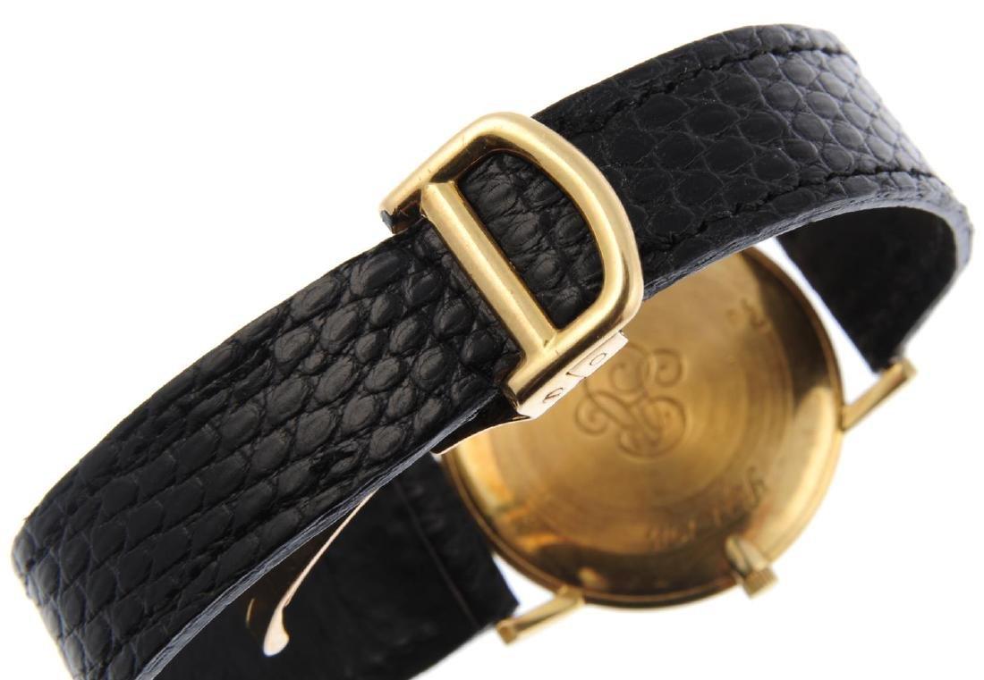 VACHERON CONSTANTIN - a gentleman's Ultra-Thin wrist - 2
