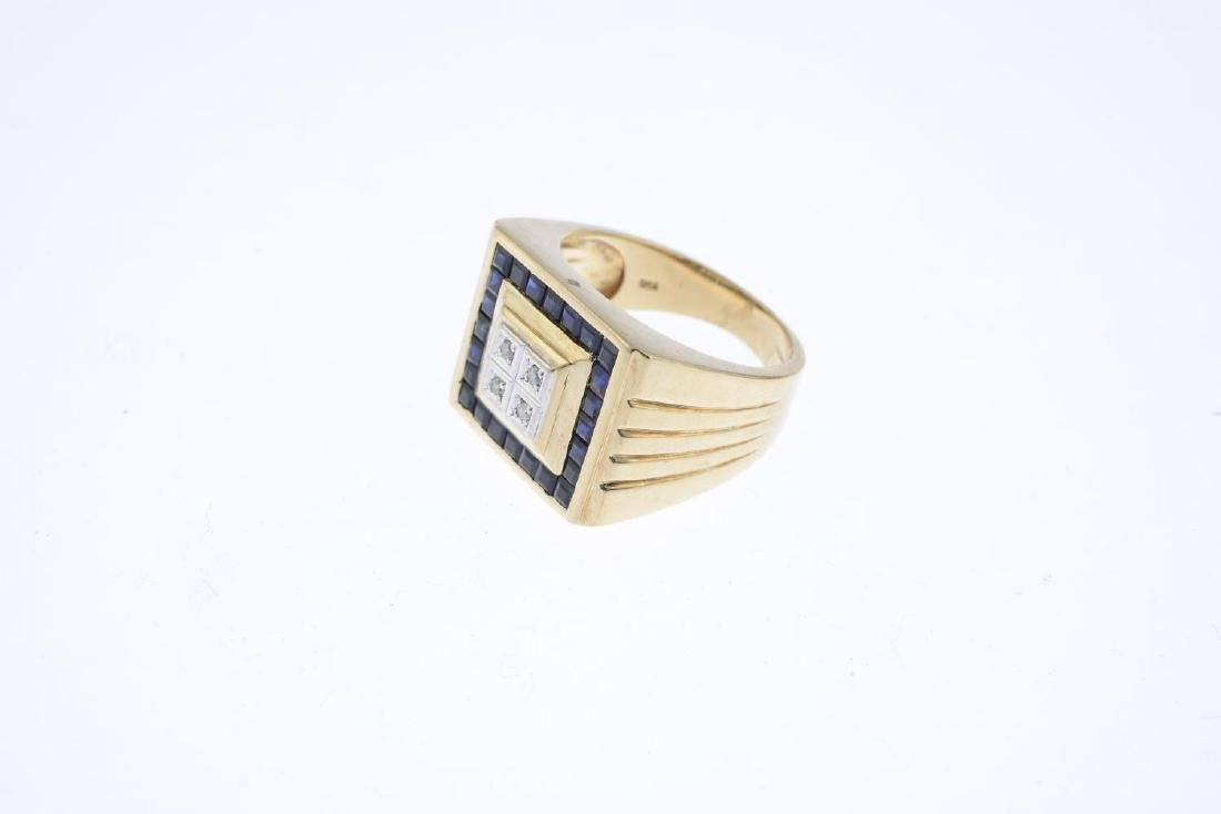 A gentleman's 9ct gold sapphire and diamond ring. Of - 3