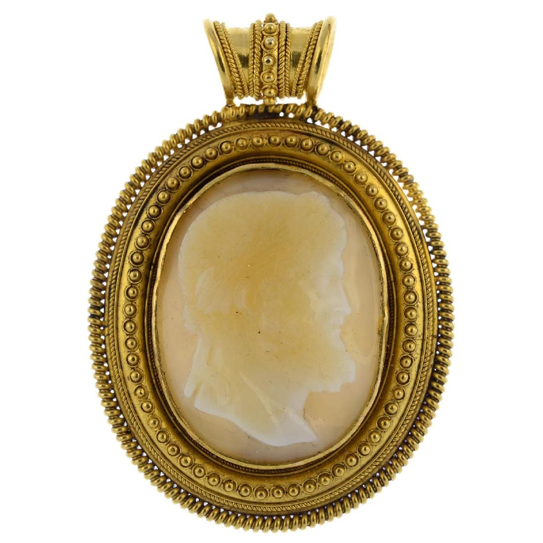 A late Victorian 18ct gold agate cameo pendant. The