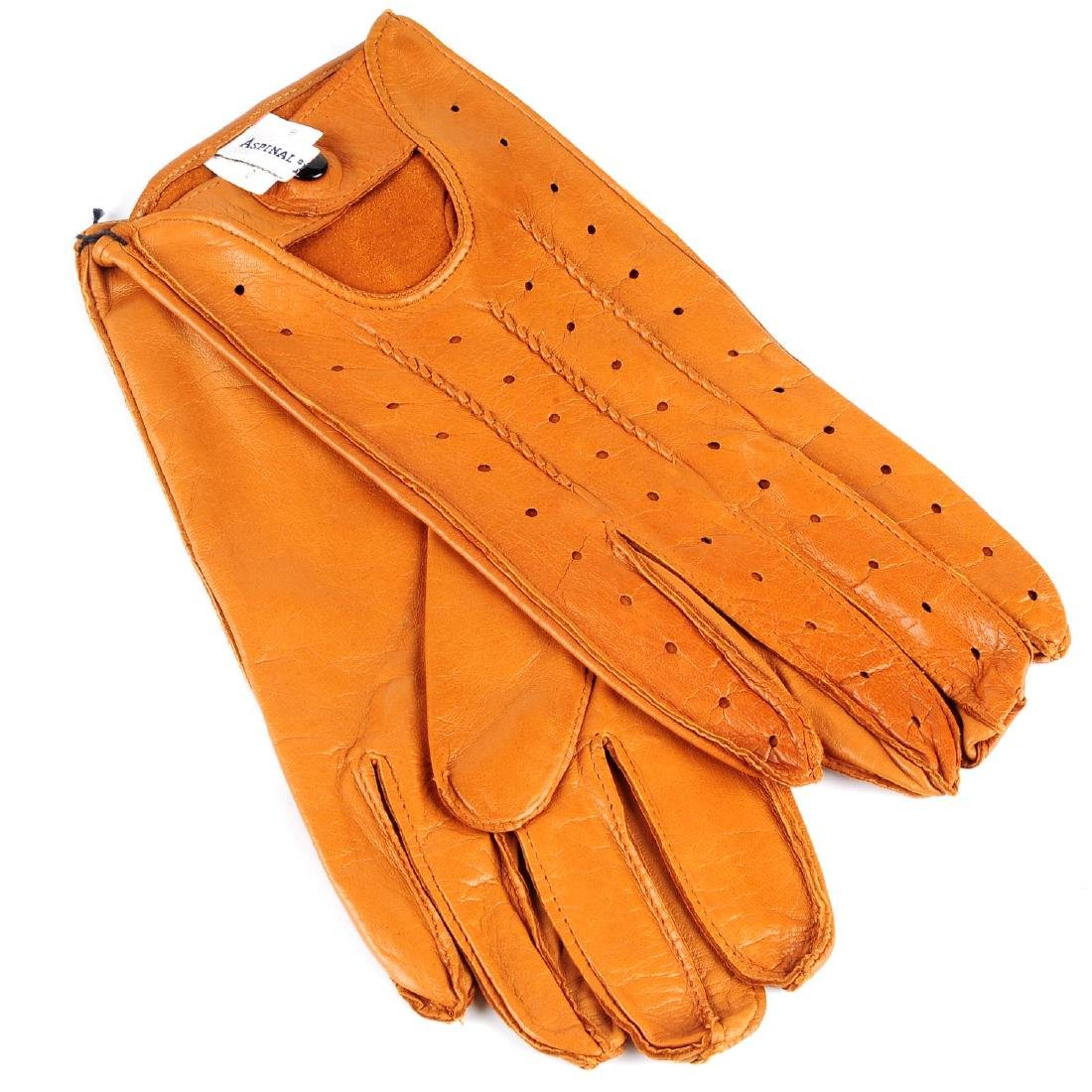ASPINAL OF LONDON - a pair of leather gloves. Crafted