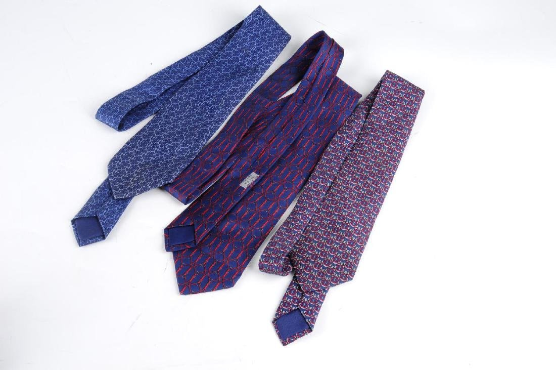 HERMÈS - three silk ties. All featuring blue and red - 2