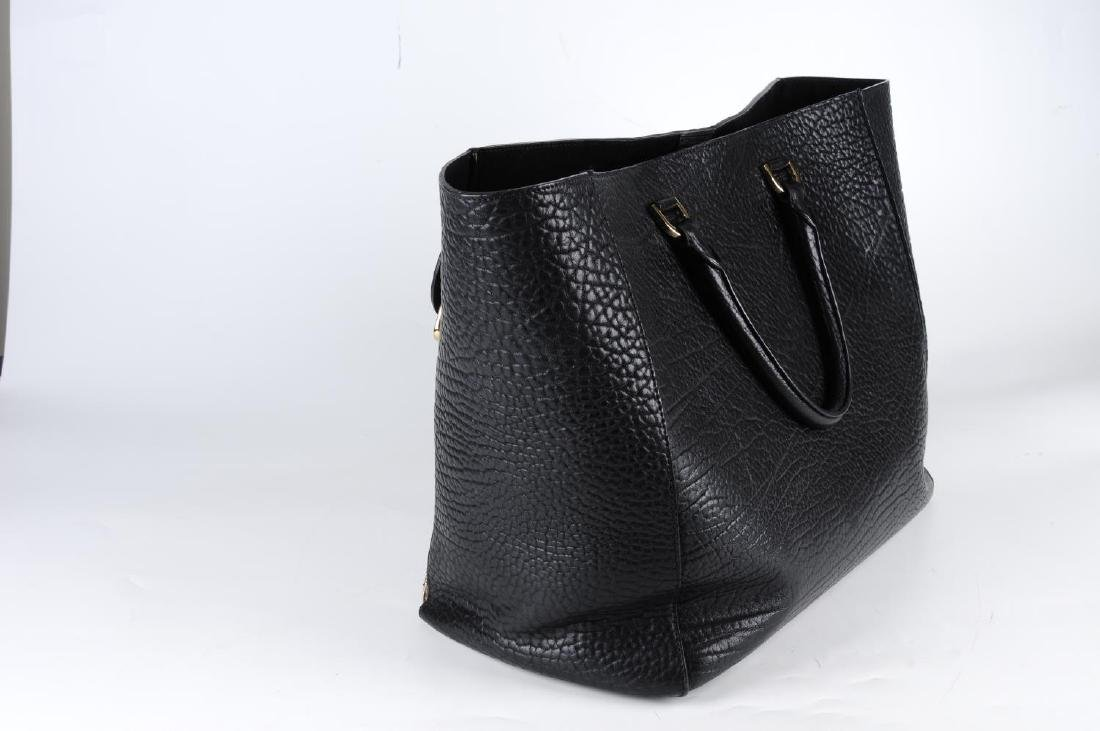 MULBERRY - a large Willow Tote handbag. Crafted from - 3