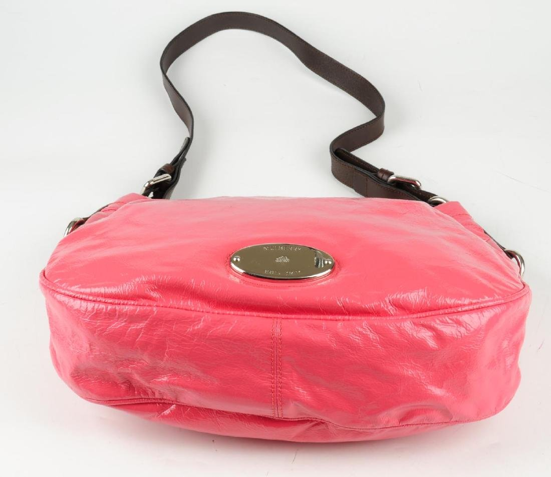 MULBERRY - a pink patent leather handbag. Featuring a - 5