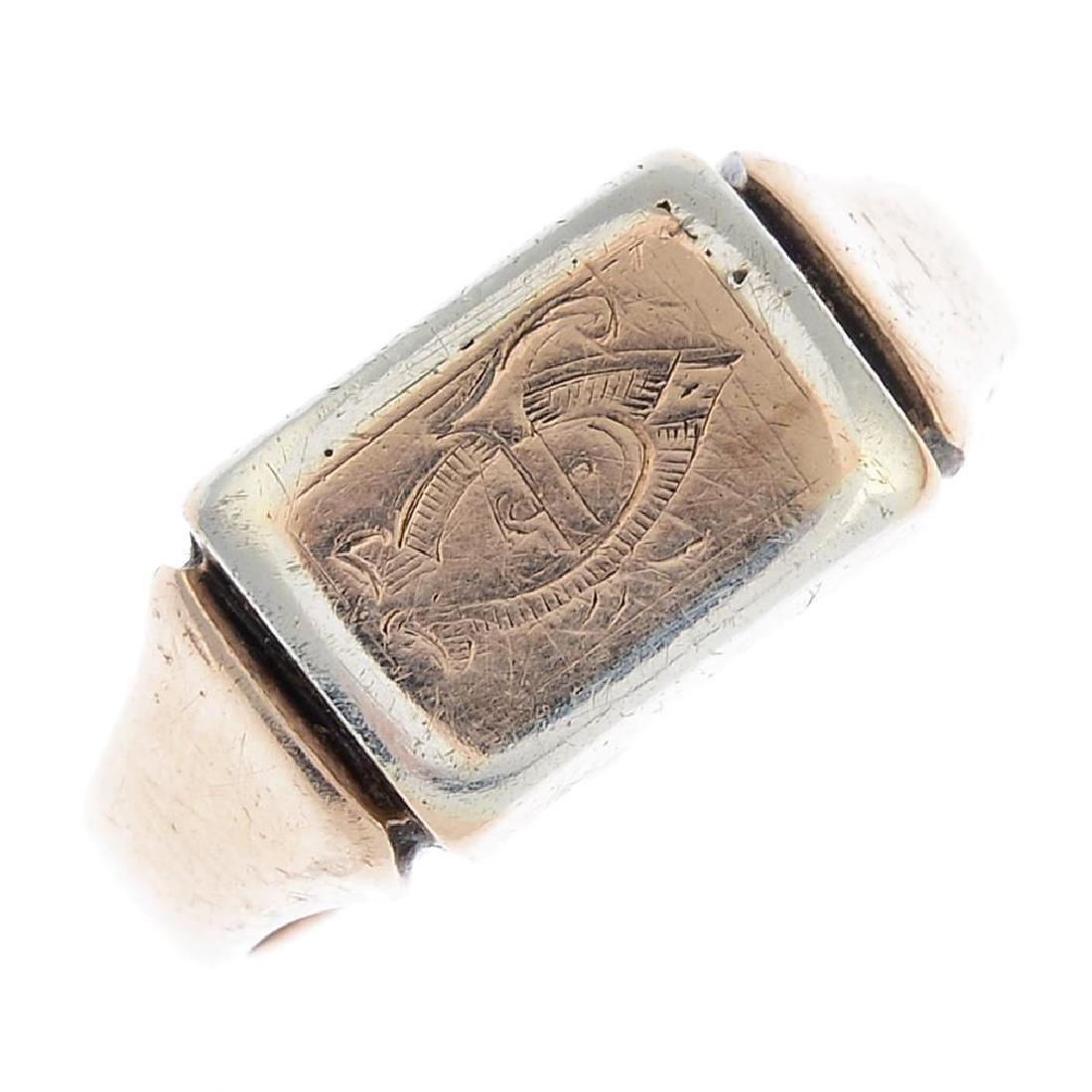 A gentleman's early 20th century 9ct gold signet ring.