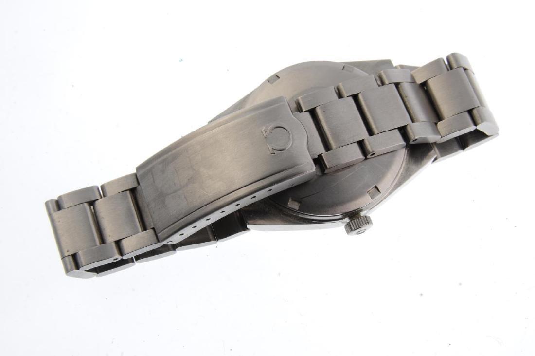 OMEGA - a gentleman's Genève bracelet watch. Stainless - 2