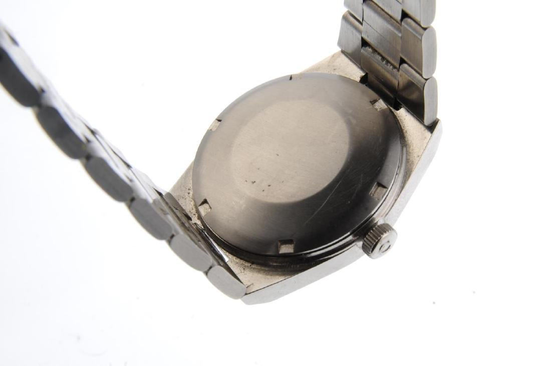OMEGA - a gentleman's Genève bracelet watch. Stainless - 3