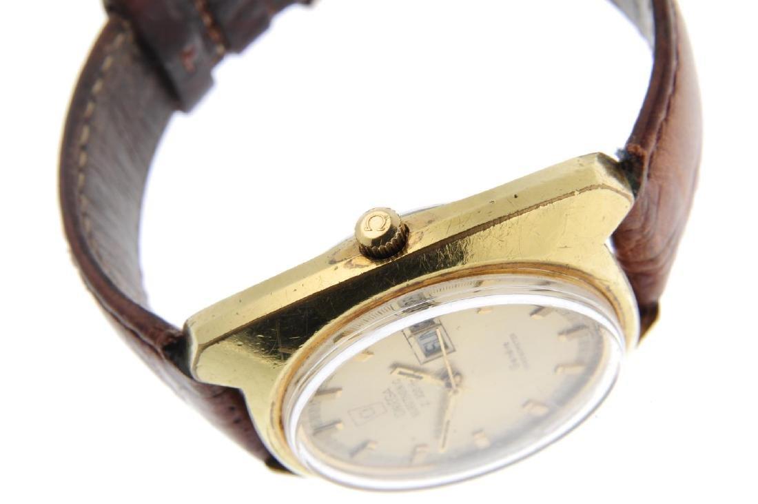 OMEGA - a gentleman's Genève F300 Hz wrist watch. Gold - 4