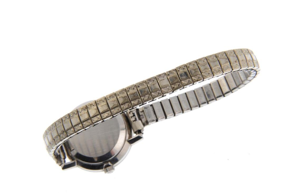 OMEGA - a lady's Genève bracelet watch. Stainless steel - 2