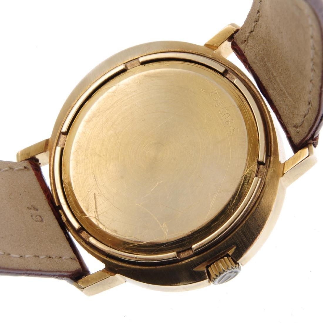 BULOVA - a gentleman's Accuquartz wrist watch. 9ct - 3