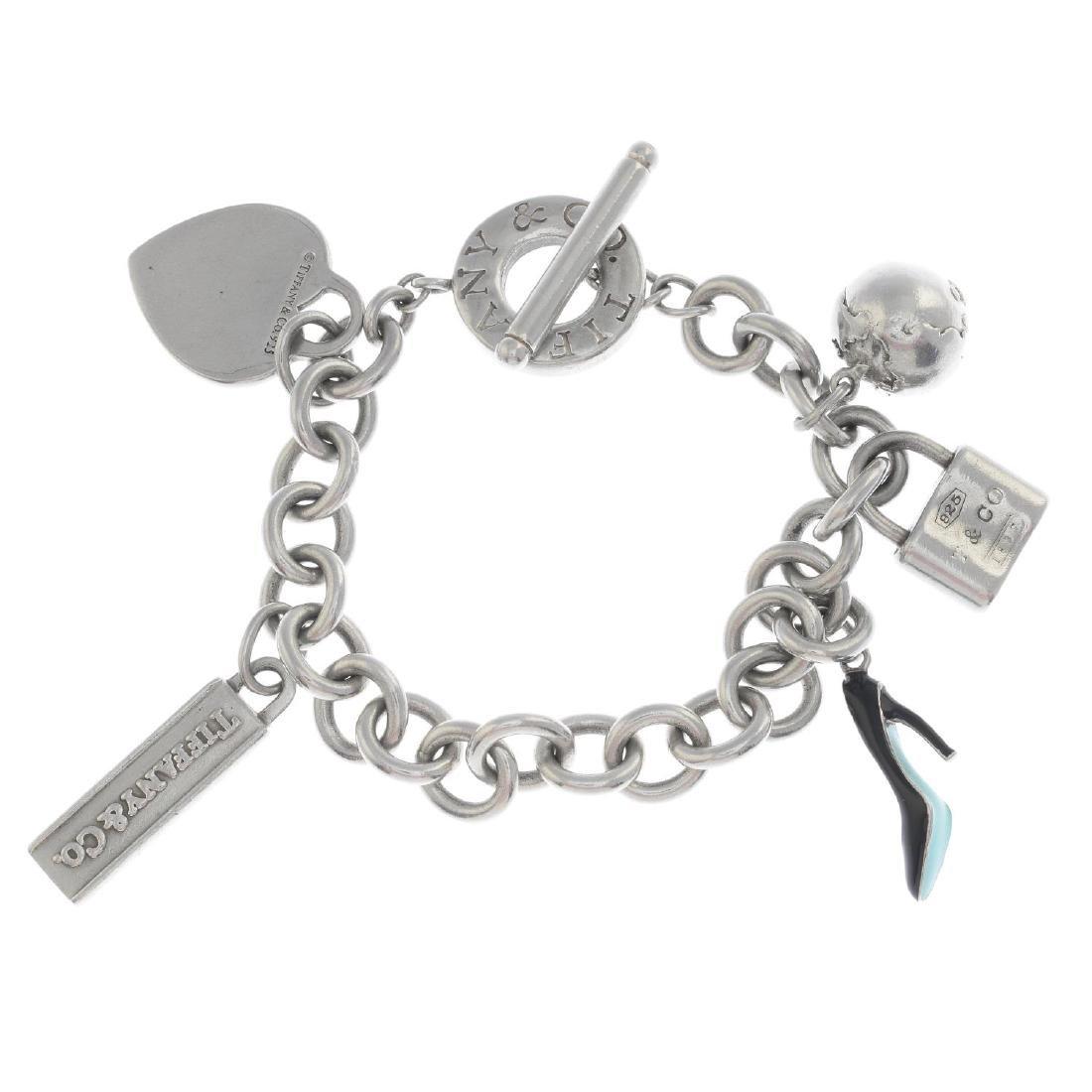 TIFFANY & CO. - a charm bracelet. The belcher-link