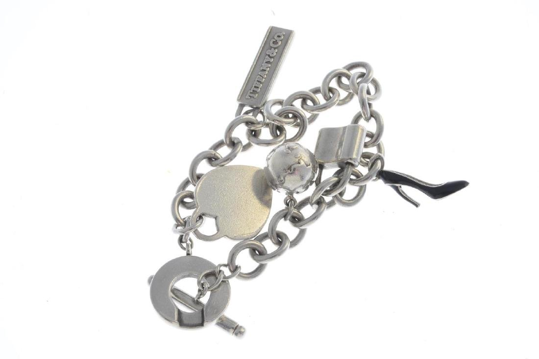 TIFFANY & CO. - a charm bracelet. The belcher-link - 2