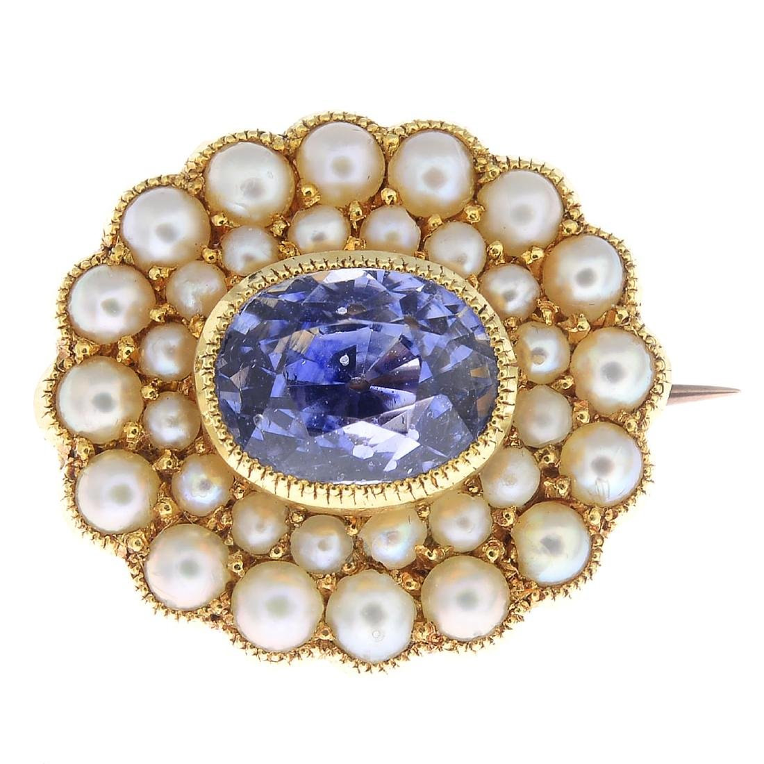 An early 20th century 15ct gold Sri Lankan sapphire and