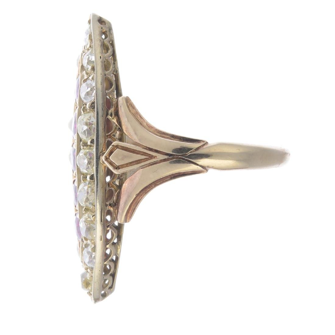 A ruby and diamond dress ring. Of marquise-shape - 2