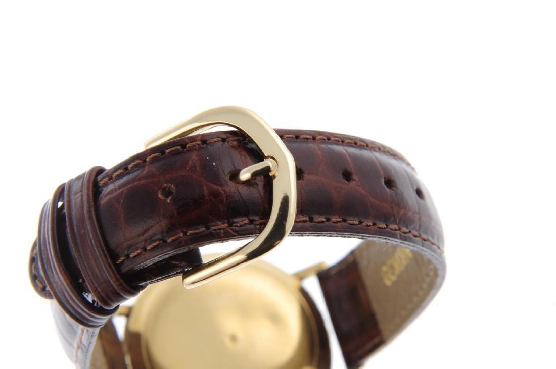 MOVADO - a gentleman's Kingmatic wrist watch. Yellow - 2