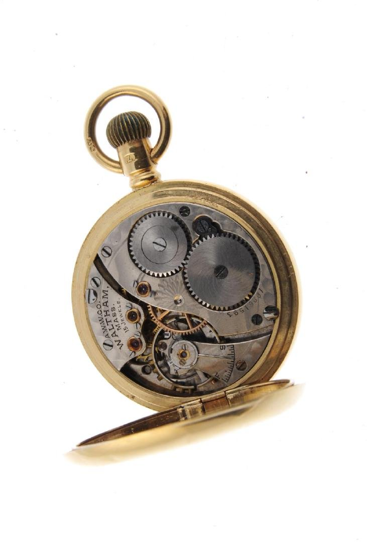 A full hunter pocket watch by Waltham. 18ct yellow gold - 3