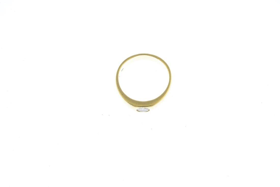A diamond band ring. The brilliant-cut diamond, inset - 3