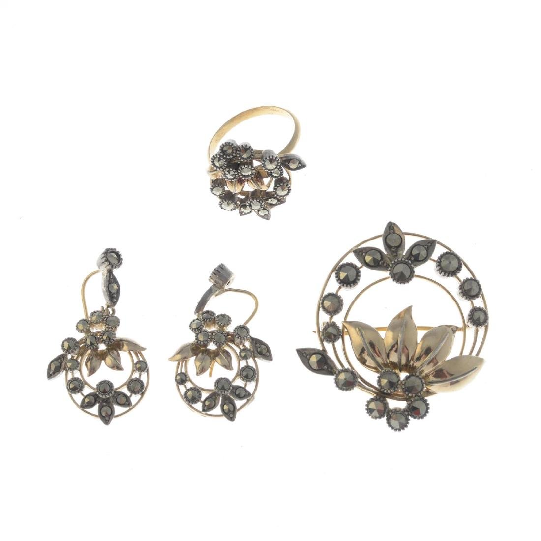 An mid 20th century gold and silver marcasite jewellery - 2