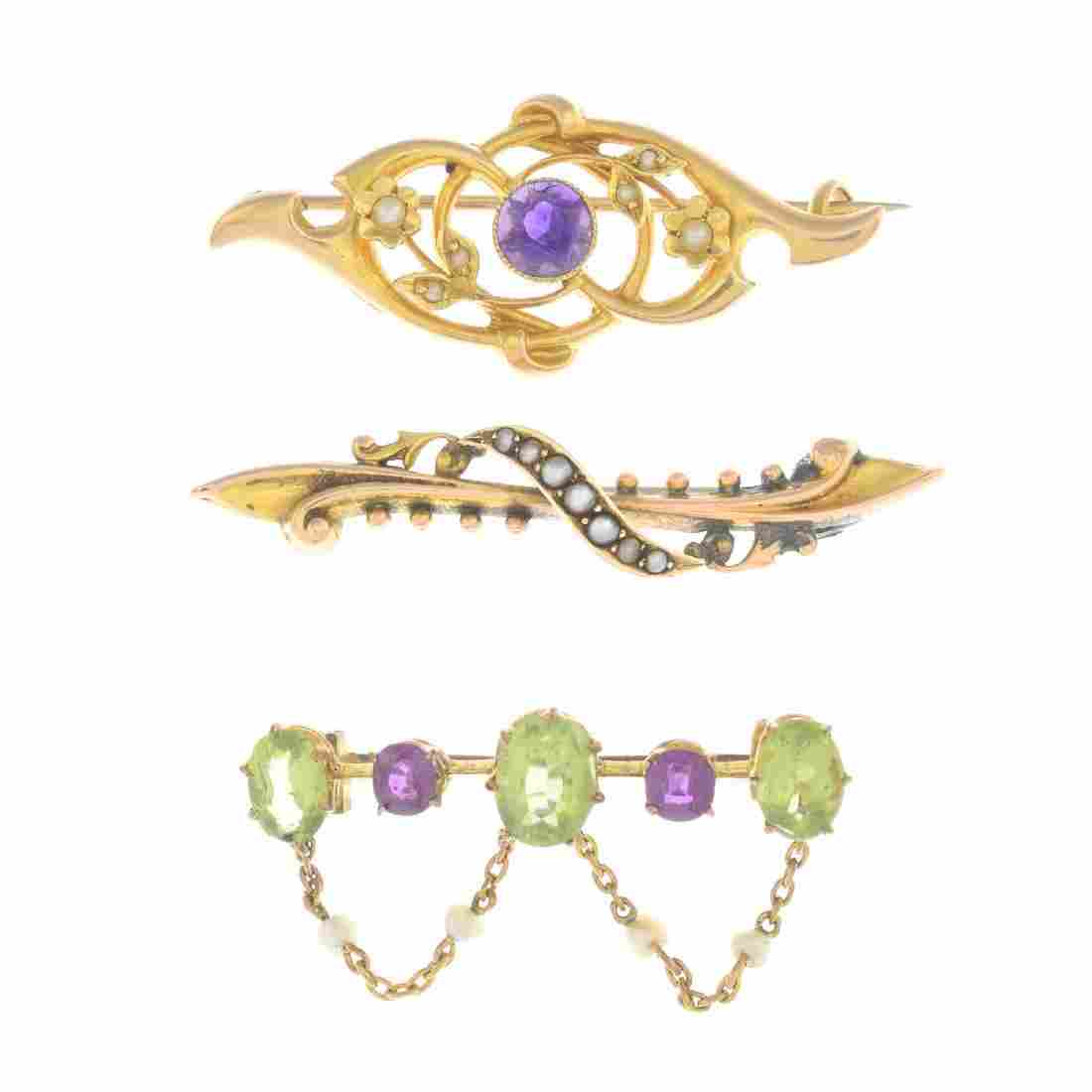 Five early 20th century gold brooches. To include a