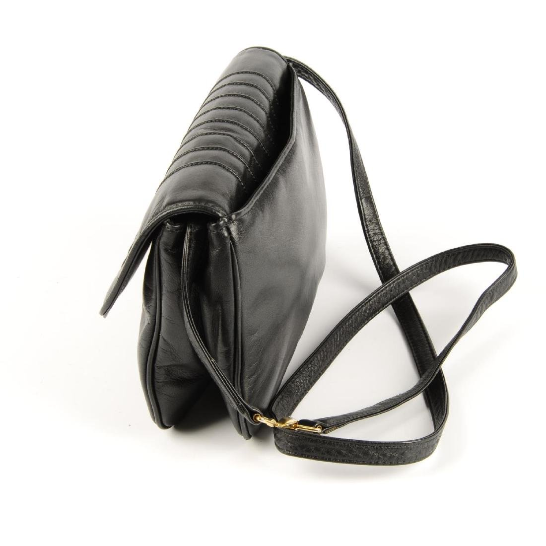 VALENTINO - a vintage leather crossbody handbag. - 3