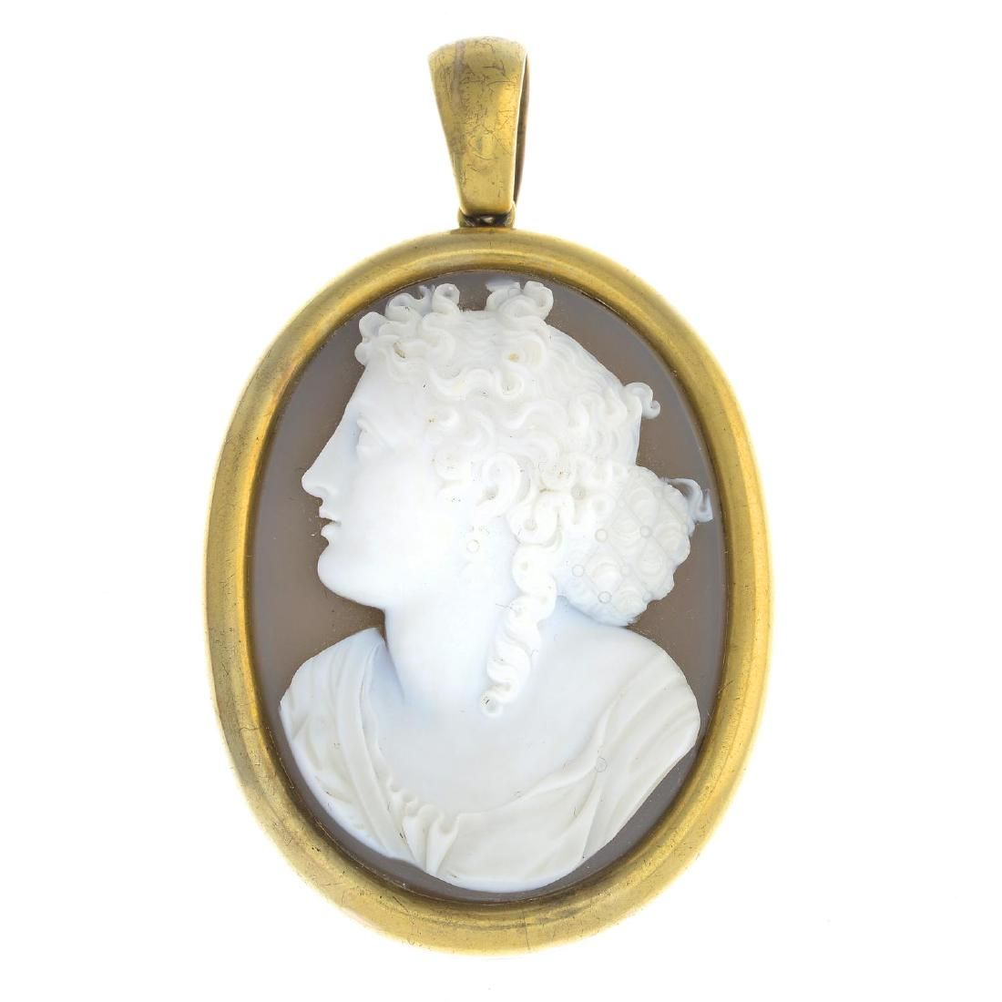 A late Victorian 18ct gold agate cameo locket. The oval