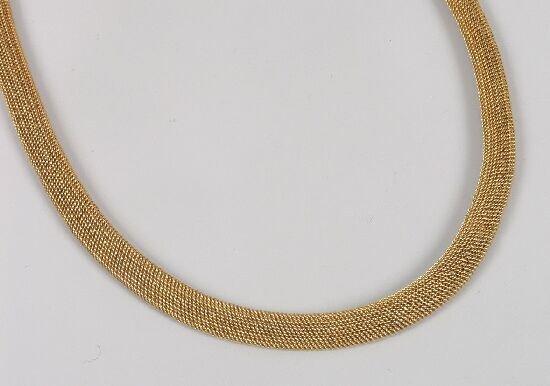 1014: Continental gold woven collarette of 42