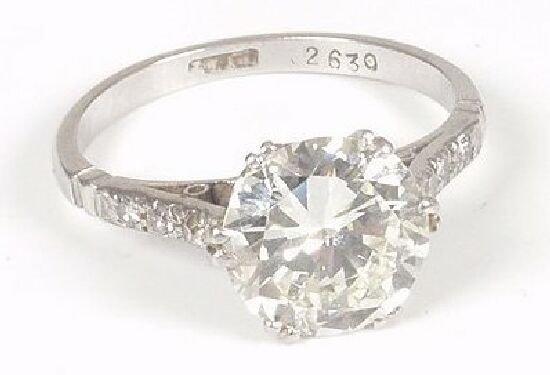 1026: Platinum mounted brilliant cut diamond