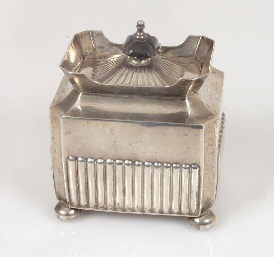 2007: A Victorian tea caddy of rectangular fo