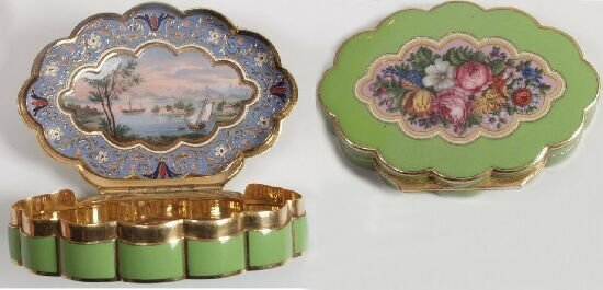 2294: A 19th century gold and enamel snuff bo