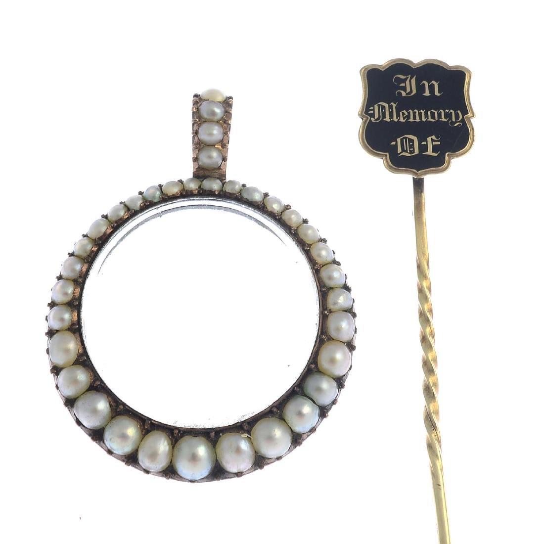 A late Georgian gold split pearl locket, a late