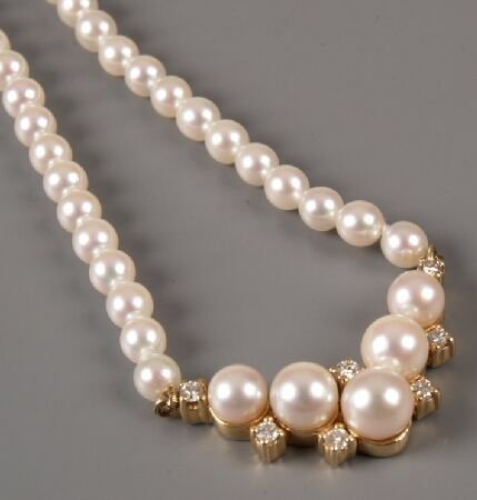 9: A cultured pearl necklace (3.8-3.9mm average) with V