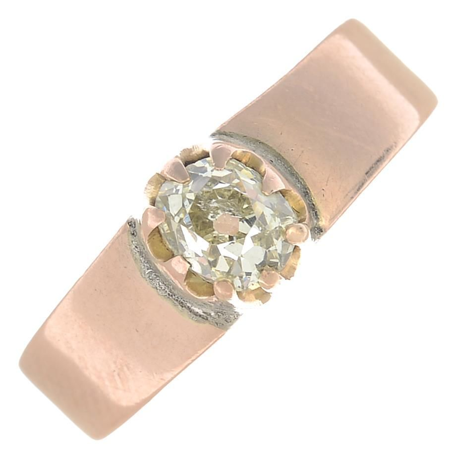An old-cut diamond single-stone ring. Estimated diamond