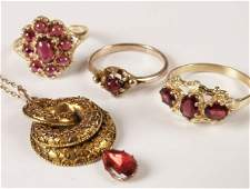 390: Four items of jewellery, to include three 9ct gold