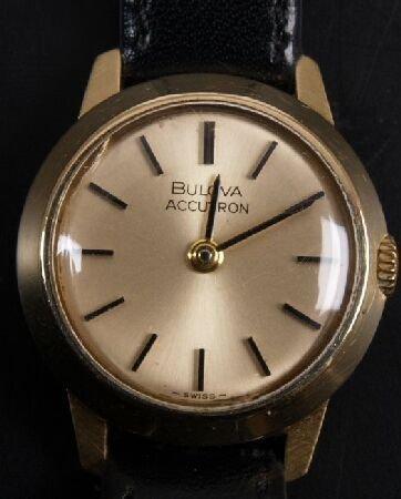 1018: CERTINA - gentleman's chronograph wristwatch with
