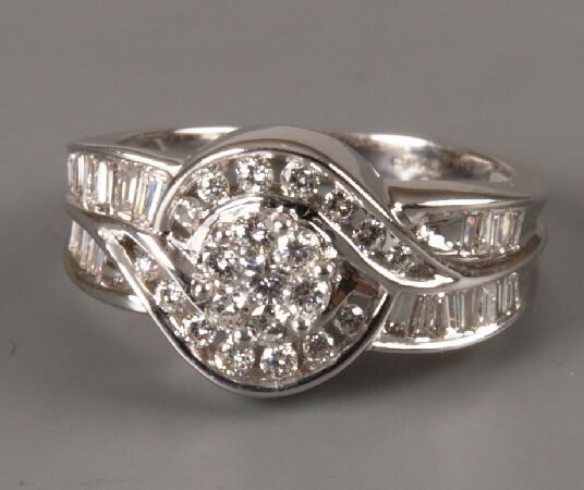 13: 18ct white gold diamond cluster ring with round cut