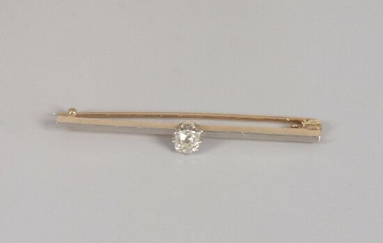 1006: Gold and platinum mounted bar brooch se