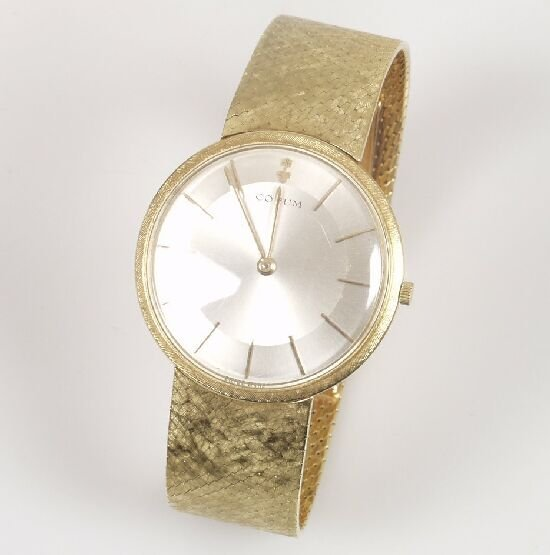 2016: CORUM - 18ct gold gentleman's wristwatc