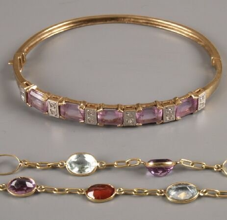 601: Two items of jewellery, to include an amethyst and