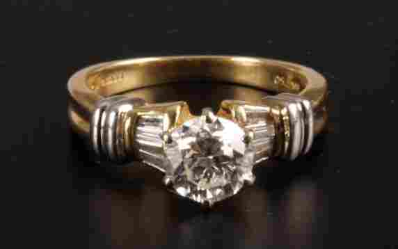 18ct gold claw set single stone diamond ring of 1.08