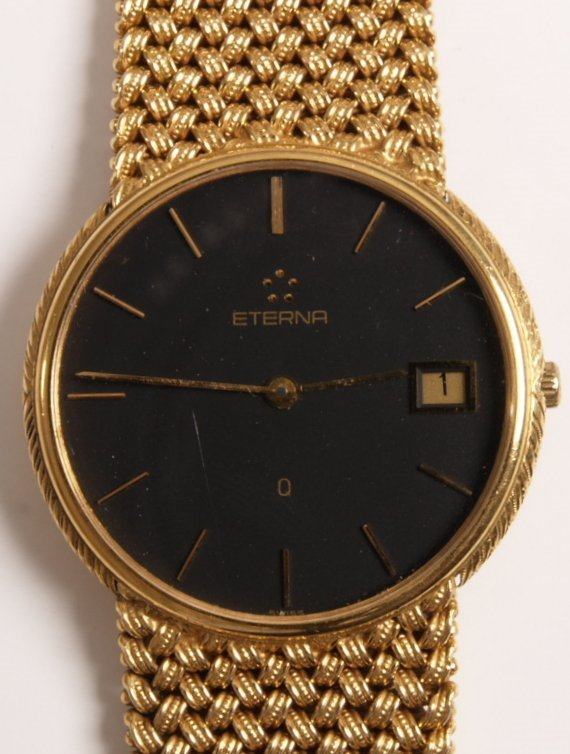 1023: ETERNA - gentleman's 9ct gold quartz wristwatch w