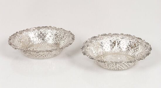 2010: A pair of Victorian silver bonbon dishe
