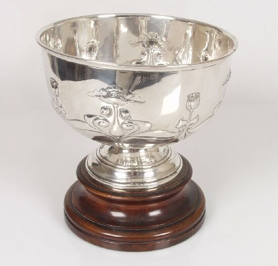 2016: An Art Nouveau rose bowl, embossed with