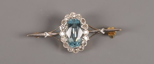 9: Edwardian bar brooch with an oval aquamarine and dia
