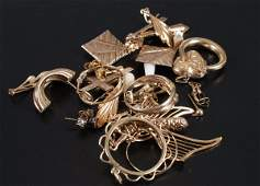 456: A small collection of gold jewellery, to include 9