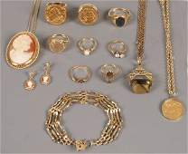 786 A small collection of 9ct gold jewellery to inclu