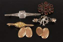 836 A small collection of items to include an Edwardi