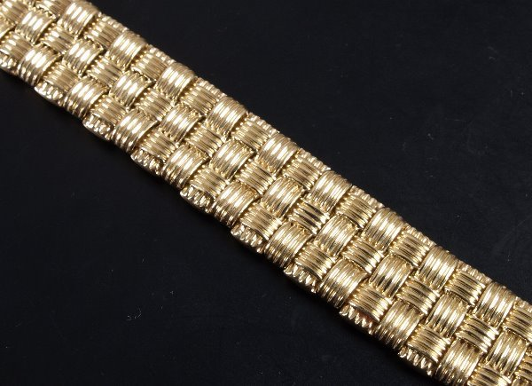 2: Roberto Coin continental 18ct gold bracelet of a bas