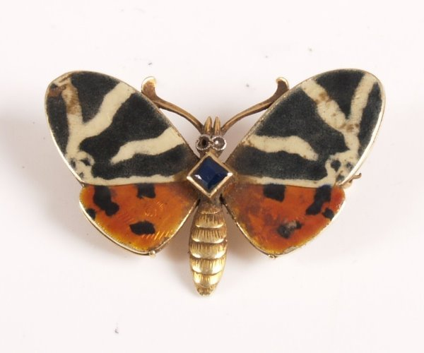 26: Early 20th century 15ct butterfly brooch with ename