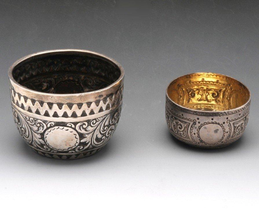 20: Victorian silver open salt of circular form.