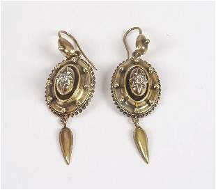 Victorian gold pendant earrings of an o