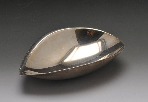376: A small Finnish silver dish by Tapio Wirkkala. - 2